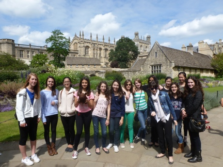The Annex Girls and Brown Blog Bear tour about Oxford